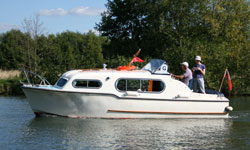 Freeman 22 Mk2 on the River Thames